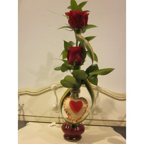 Jarron pequeño con 2 rosas